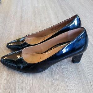 Vionic Shoes - WORN TWICE!  VIONIC Mia Patent Leather Pumps